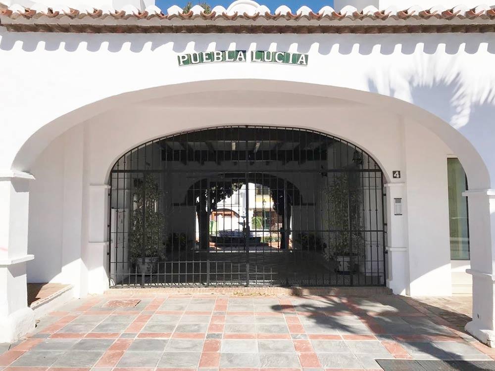 22 Puebla Lucia gate 4