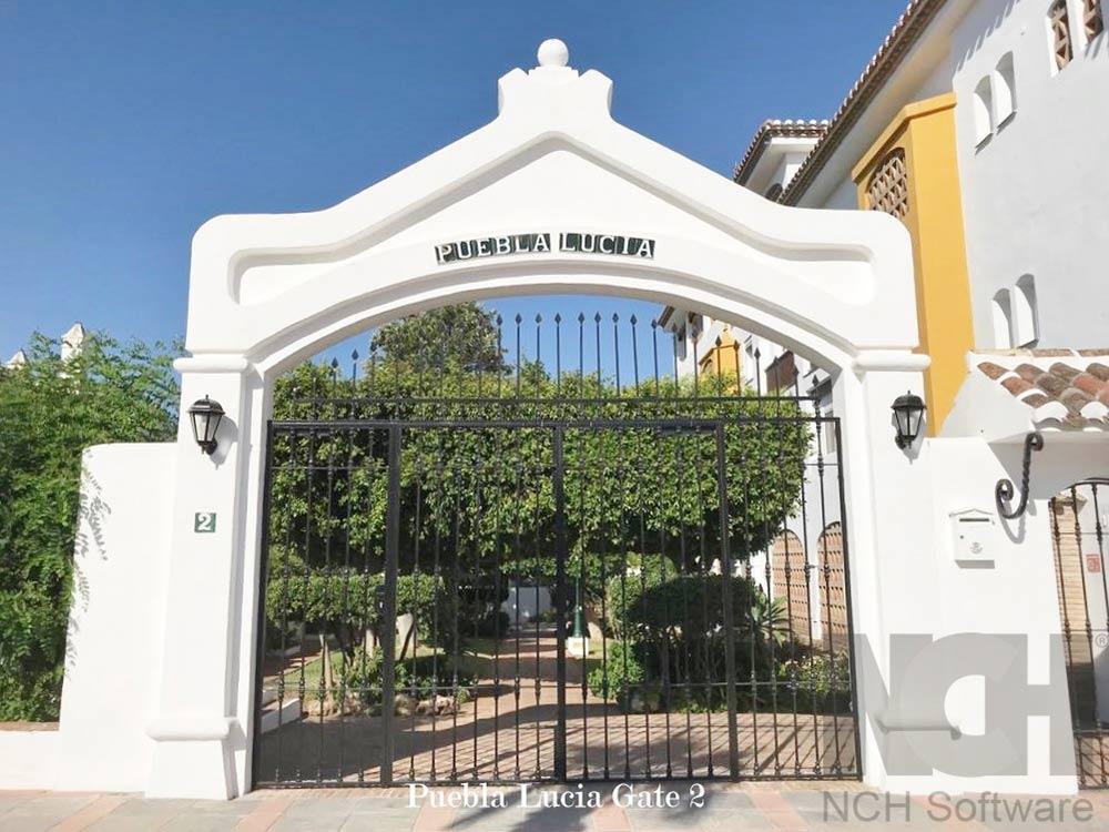 Puebla Lucia gate 2