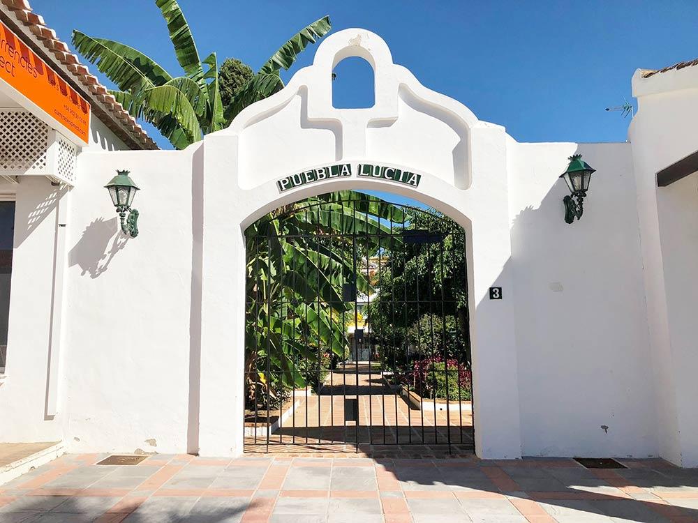 Puebla Lucia gate 3